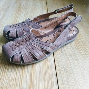 Bare Traps leather fisherman sandals